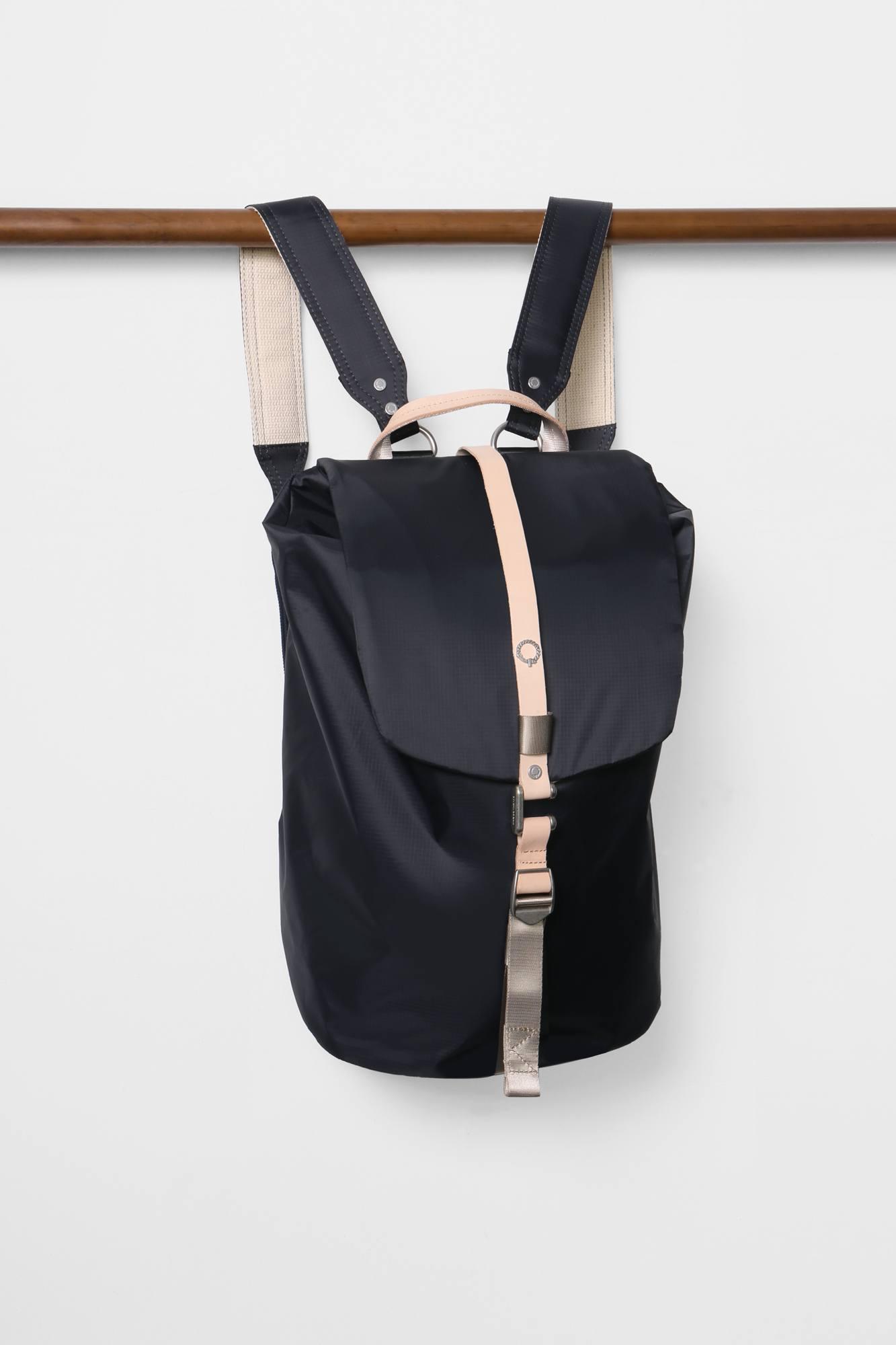 Stighlorgan - Finn flapover laptop backpack - navy 268b000c3baac